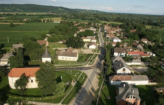 Flussverlauf der Mur und der Drau bis zu deren Einmündung in die Donau –  Die Alpen